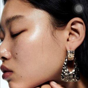 Zara texture triangle earrings